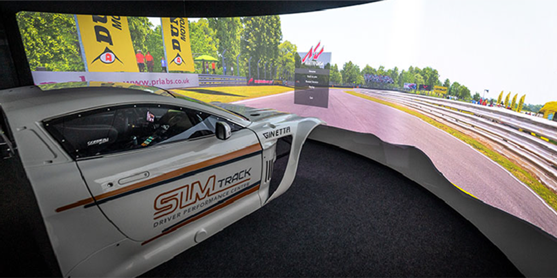 Race car simulator experience facilities for all drivers